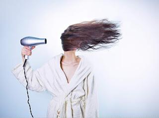 Tips mengatasi dan merawat rambut rontok