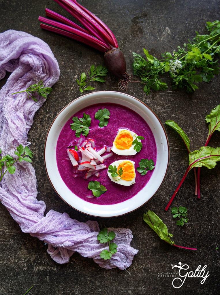 fioletowa-zupa-z-jajkiem