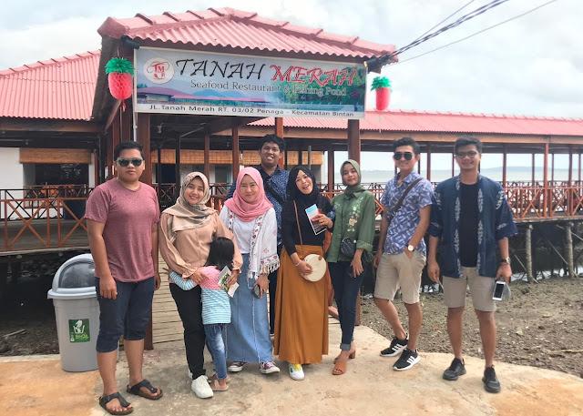 Menikmati Makan Siang di Tanah Merah Seafood Restaurant & Fishing Pond