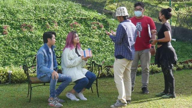 Bea Serendy saat syuting videoklip lagu Sebelum Matahari Berhenti Bersinar. (Dok. Istimewa)