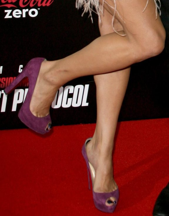 Apologise, Paula patton toes
