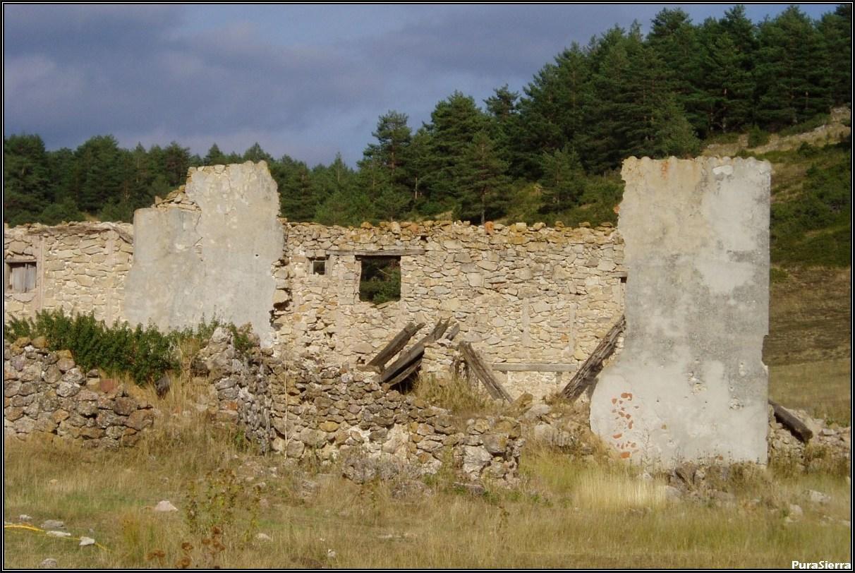 Villanueva De Las Tres Fuentes. Ruinas (2)
