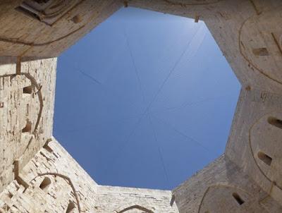 cortile di Castel del Monte