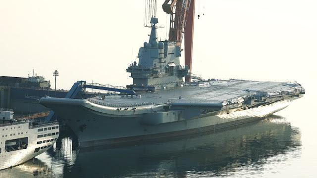 El primer portaviones fabricado por China llevará 50 % más cazas J-15 que su predecesor