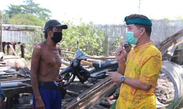 Ombak Besar Hancurkan Lahan Petani Garam