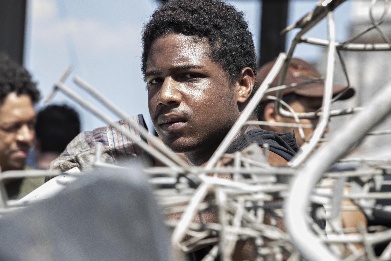 """Após conquistar dois prêmios em Veneza, longa """"7 prisioneiros"""" ganha primeiro trailer oficial!"""
