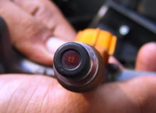 Cara bersihkan injektor bahan bakar motor Cara Ampuh Membersihkan Injektor Motor