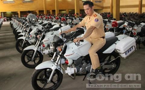 Công an TP.HCM trang bị dàn mô tô khủng Honda CBX250