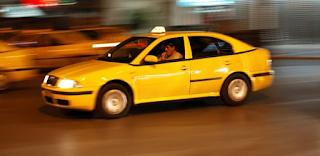 Παράνομο ζευγαράκι κάλεσε ταξί που δυστυχώς οδηγούσε ο νόμιμος σύζυγος