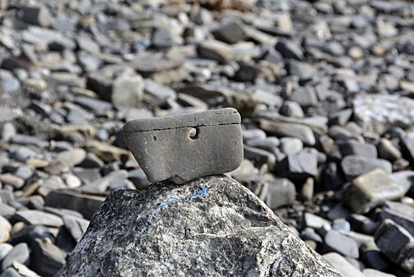 stein med hull