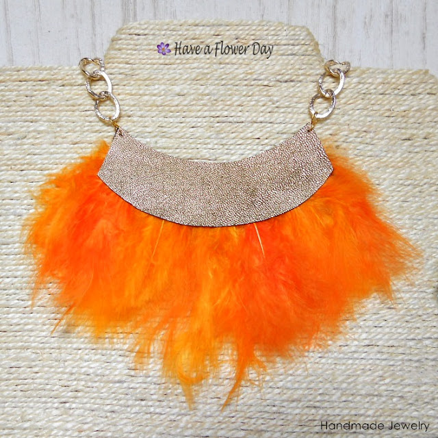JANE Colores. Collares con plumas · Feather necklaces