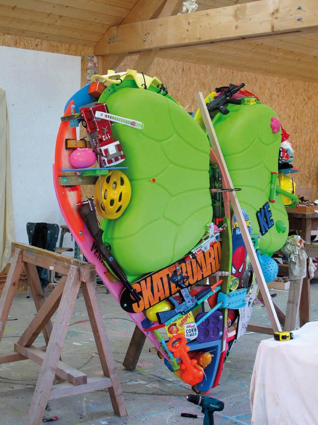 Eric Liot, Giant heart sculpture
