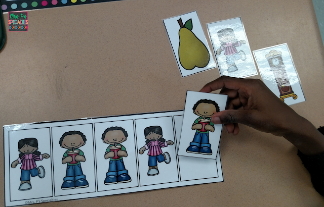 photo of student completing a patterning strip