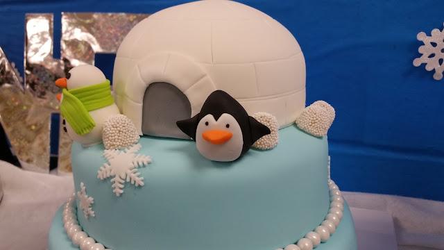 winter wonderland theme birthday cake jellybeantrail