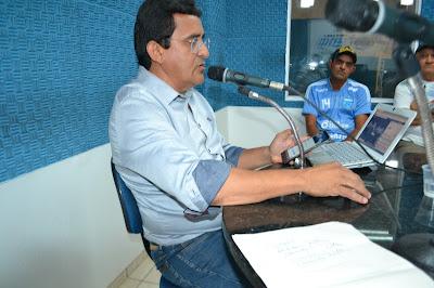 Resultado de imagem para fotos do prefeito naldinho na radio potengi