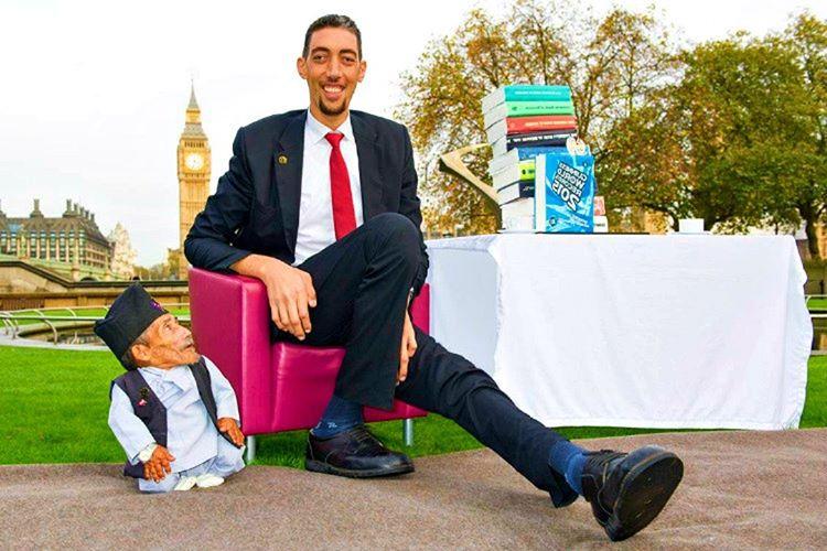Sultan Kösen, 251 santimetrelik boyuyla yaşayan en uzun adam ünvanına sahiptir.