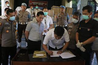 Masker dan Hand Sanitizer yang Disita Polda Sulsel di Sumbangkan Pemiliknya, Untuk!!