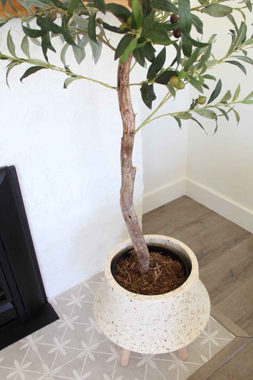 5-tips-selecting-artificial-plant-olive-tree-harlow-thistle
