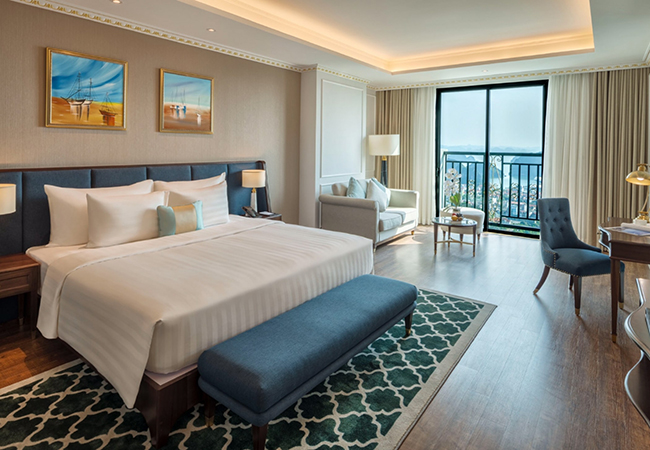 Deluxe Bay View - FLC Grand Hotel Hạ Long
