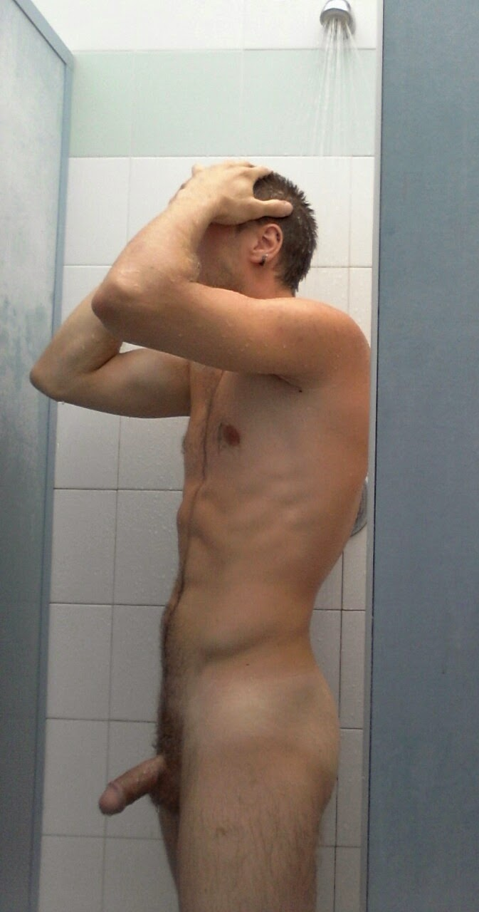 nude men in public shower