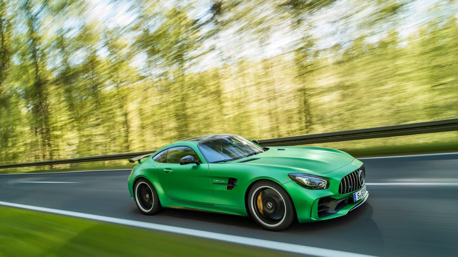 Mercedes-AMGGT-R-2