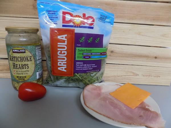 Low Carb and lovin' it (arugula artichoke ham wraps)
