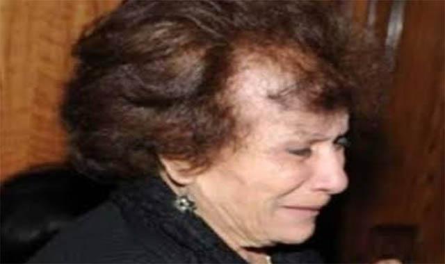 الفنانة عايدة عبد العزيز زهايمر وحجود في عامها ال90