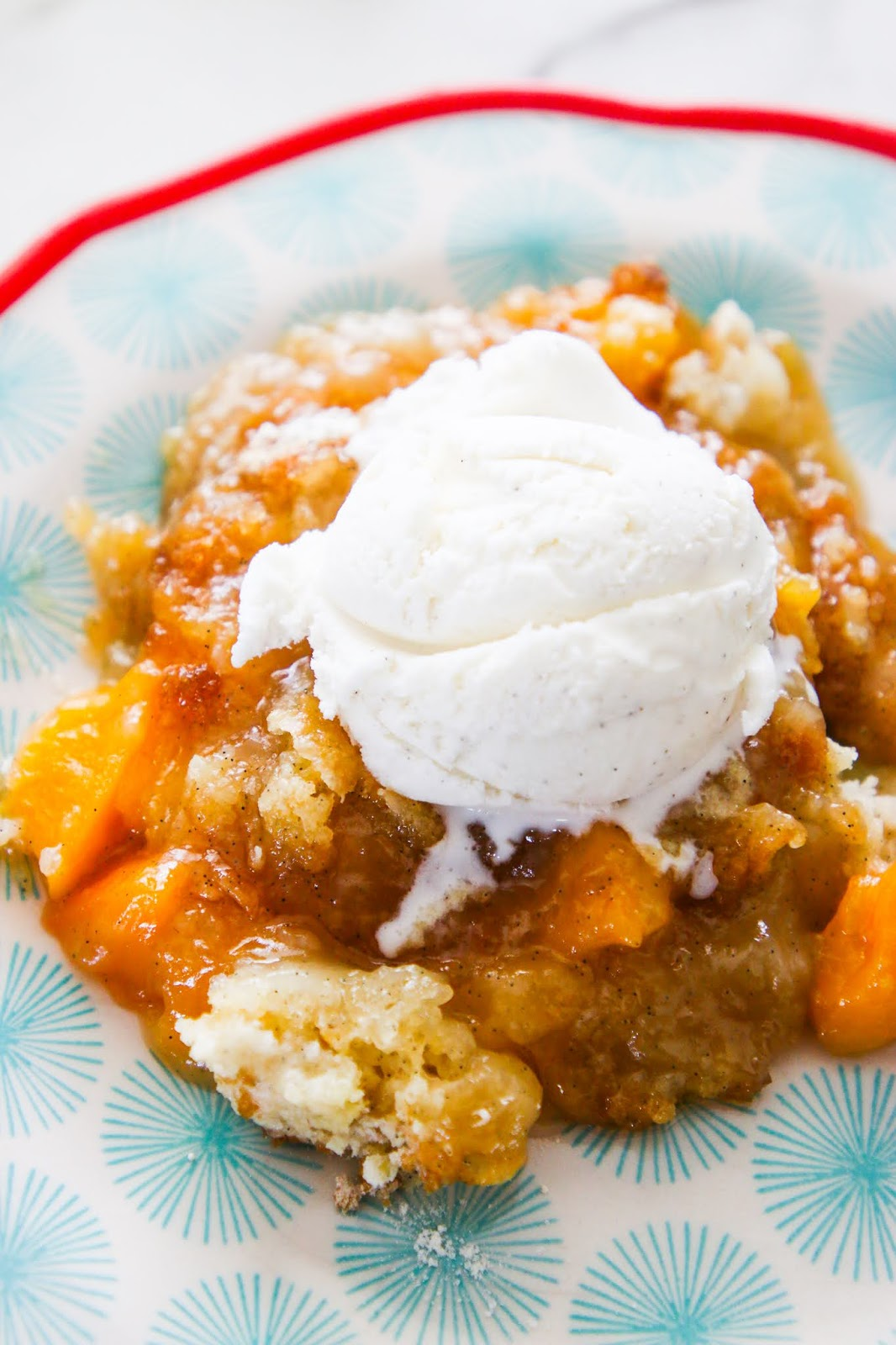 The best peach cobbler recipe. Perfect summer BBQ dessert recipe. Recipes that use peaches. Best recipes for peaches. Peach cobbler with a yellow cake mix. Four ingredient peach cobbler. Paula dean peach cobbler recipe. Best ever southern peach cobbler. Peach cobbler with pie crust. Old fashioned peach cobbler. Peach cobbler pie. Peach cobbler with frozen peaches. Pioneer woman peach cobbler with canned peaches. Yellow cake mix recipes. #peach #cobbler #peachcobbler #summer #dessert #bbq #baking #cakemix