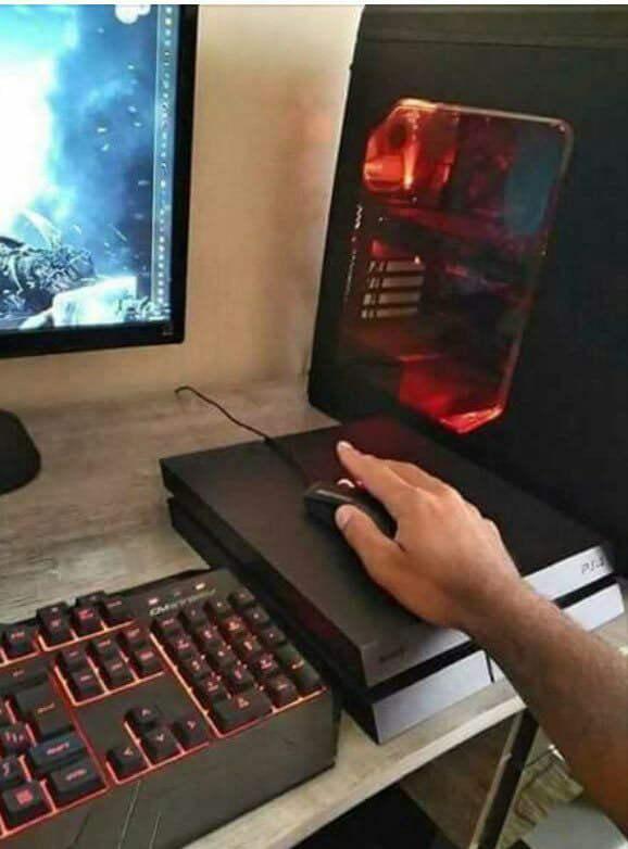 PS4 VS PC