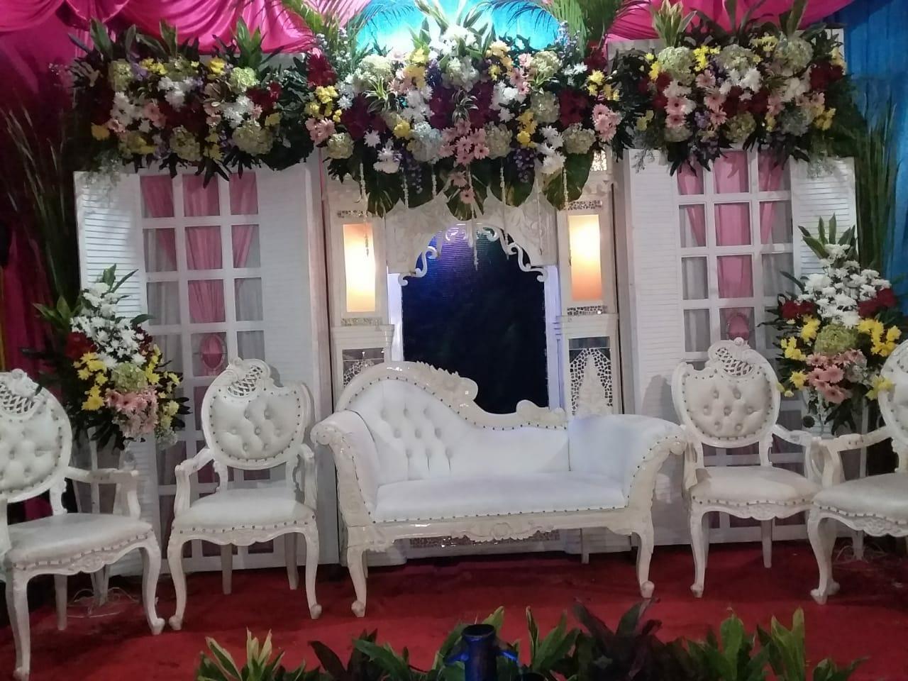 Jasa Vendor Dekorasi Bunga Pelaminan 040