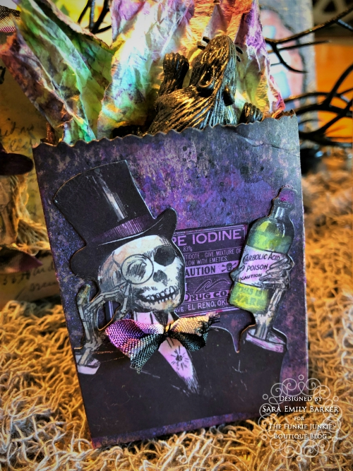 Sara  Emily Barker https://sarascloset1.blogspot.com/2019/09/halloween-treat-bags-for-funkie-junkie.html Tim Holtz Halloween Treat Bags  12