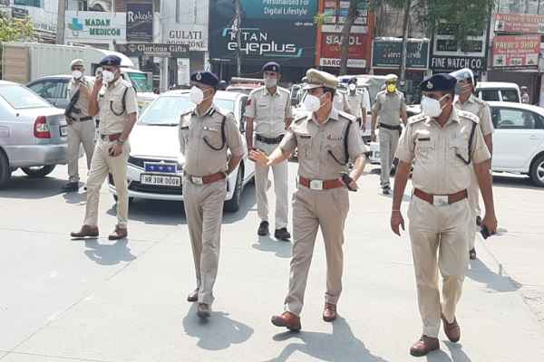 faridabad-police-strict-action-against-rules-breaker