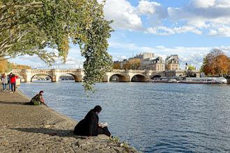 Paris : Pont Neuf, le plus vieux pont de Paris, vénérable ouvrage inauguré en 1607 - Ier et IVème