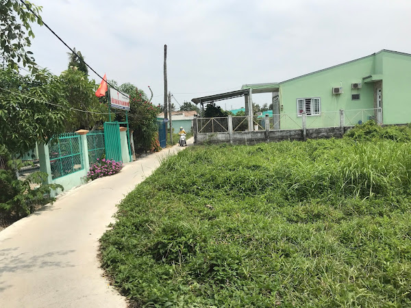 Bán 110m2 đất thổ cư, ngay trung tâm xã Bình Khánh, xây dựng ngay