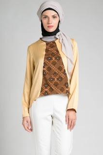 Batik kombinasi busana kerja modis