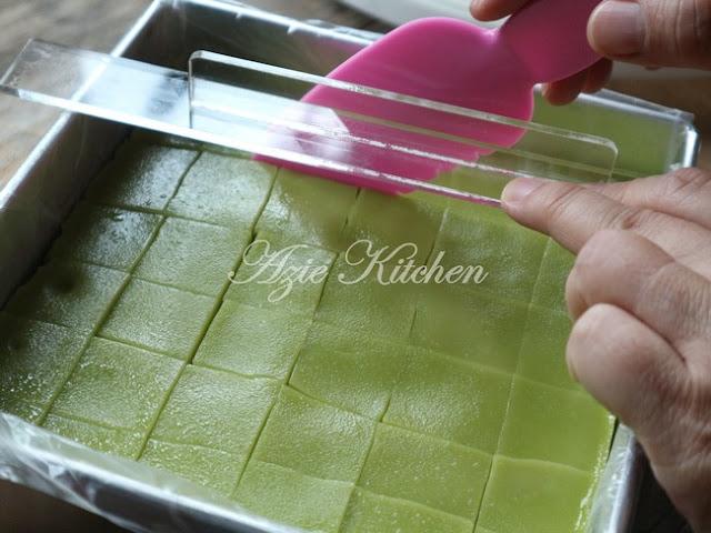 Kuih Seri Muka Istimewa Azie Kitchen