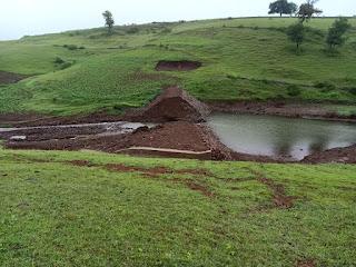6 माह में फूट गया 14 लाख की लागत से बना निस्तारी तालाब