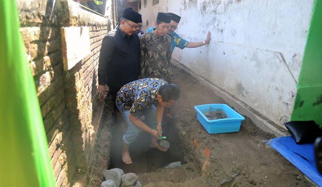 Peletakan batu pertama pembangunan Gedung sekretariat IKA PMII
