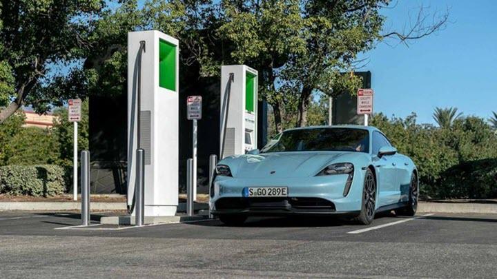 Xe điện Porsche Taycan vận hành mất 78 ngàn đồng cho 100 km