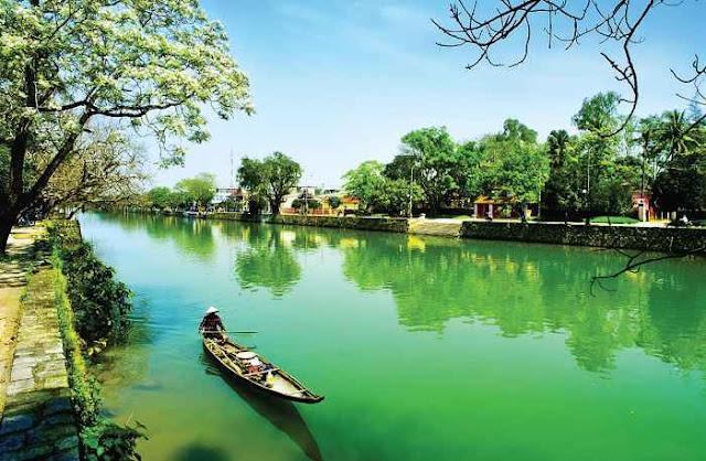 Khí hậu ở Huế vừa có sự ảnh hưởng ở cả 2 miền Nam và Bắc. (Ảnh: vanhoadoanhnghiepvn.vn)