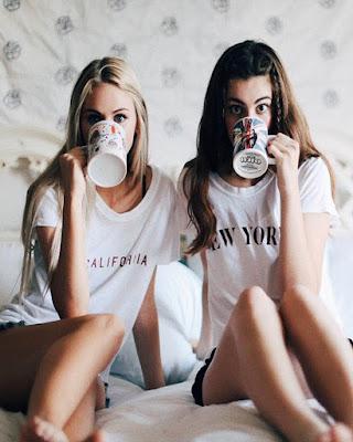fotos tumblr de hermanas tomando cafe