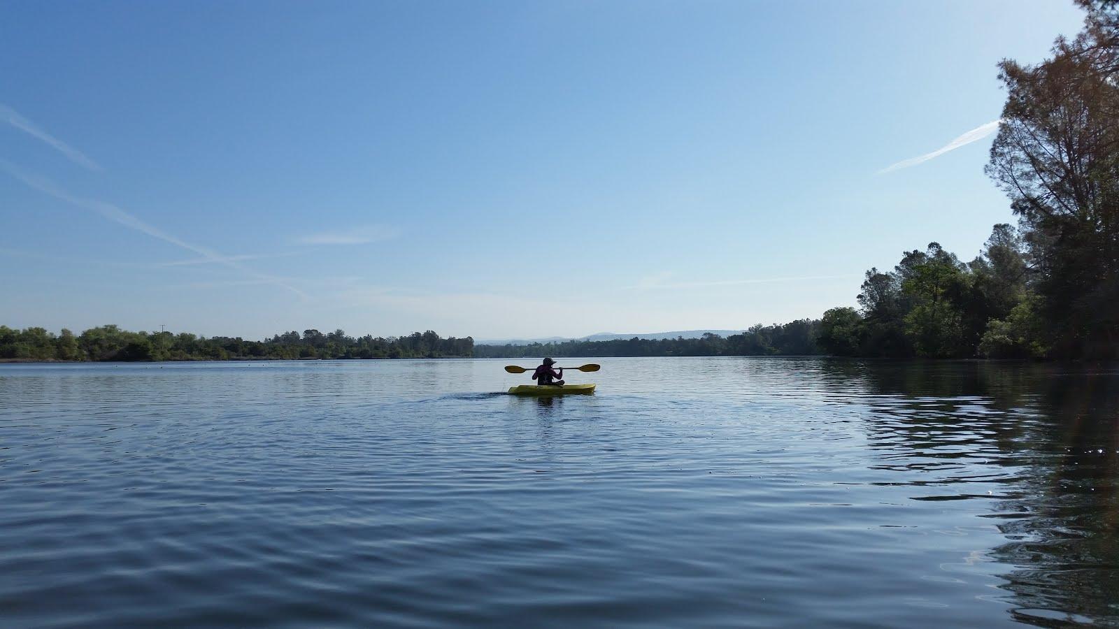 Kayaking time kayaking at lake natoma state park for Lake natoma fishing