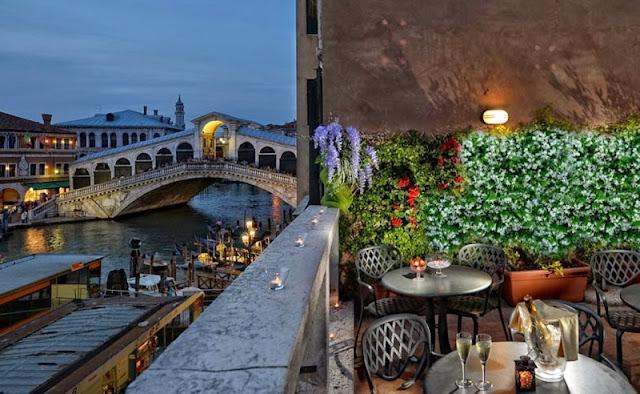 Restaurante com vista para a Ponte di Rialto no Hotel Rialto Unique