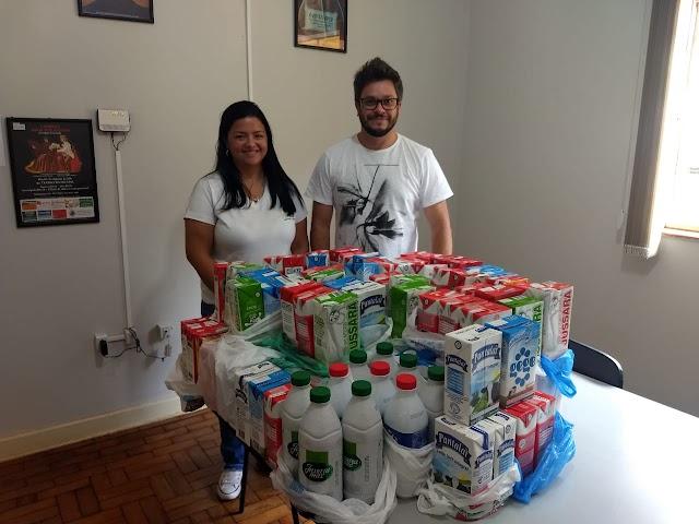 Lar São Vicente e Fundo Social recebem doação de leite do Concurso Rainha da Emapa