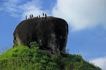 Menikmati Keindahan Bukit Batu Manda Kabupaten Lima Puluh Kota