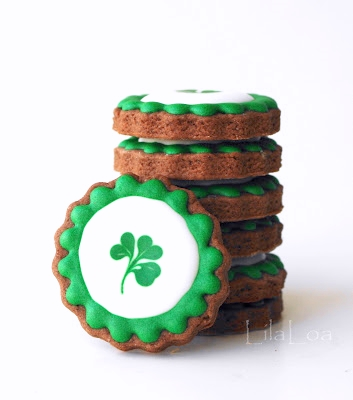 St. Patrick's Day cookies -- leprechaun loot tutorial