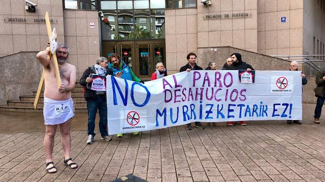 Protesta ante el palacio de justicia
