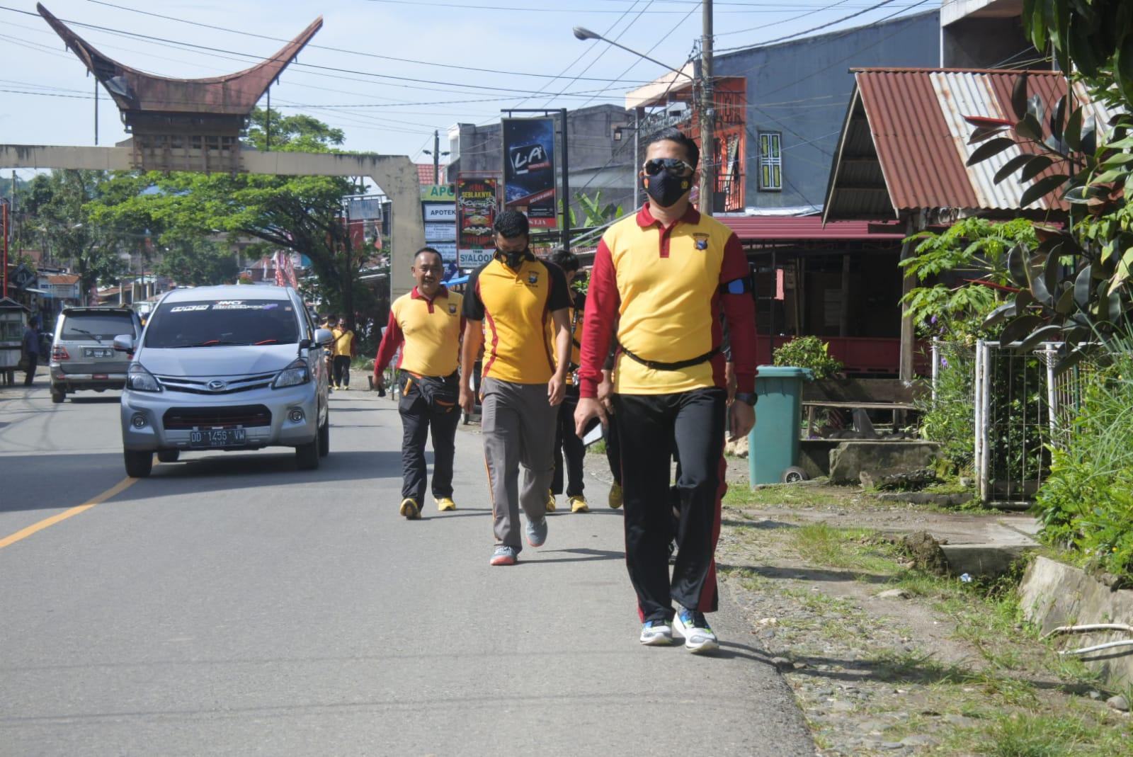 Kapolres Toraja Utara Pimpin Olah Raga Pagi Personil Polres Toraja Utara
