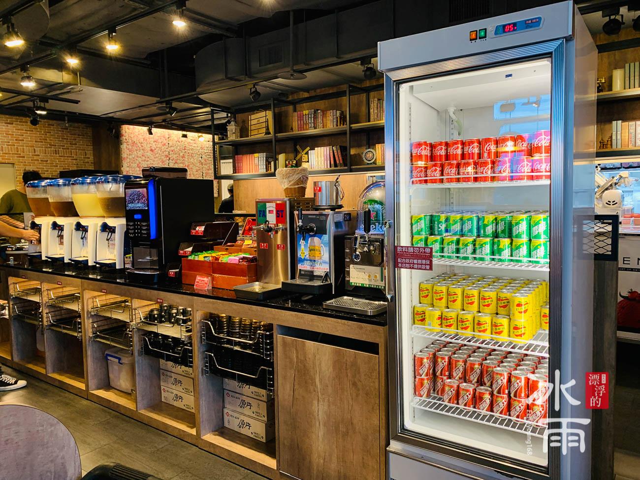 有經典的台灣人愛喝的可樂、雪碧、黑松沙士