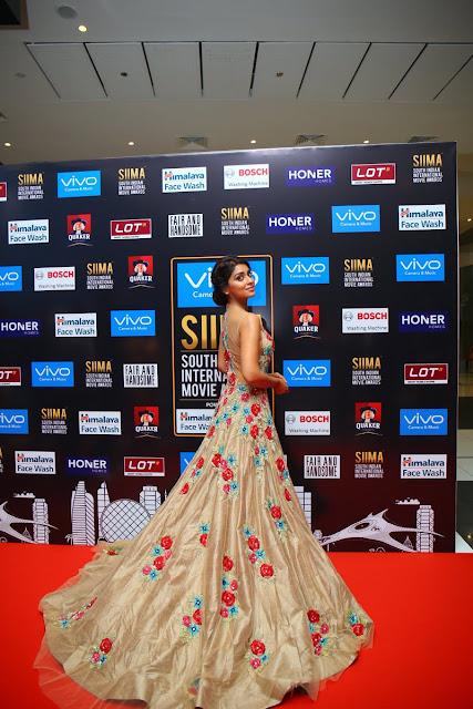 Shriya Saran on the red carpet at SIIMA Awards 2017 Day 1
